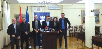 Vučić je vrhovni komandant sirovih siledžija